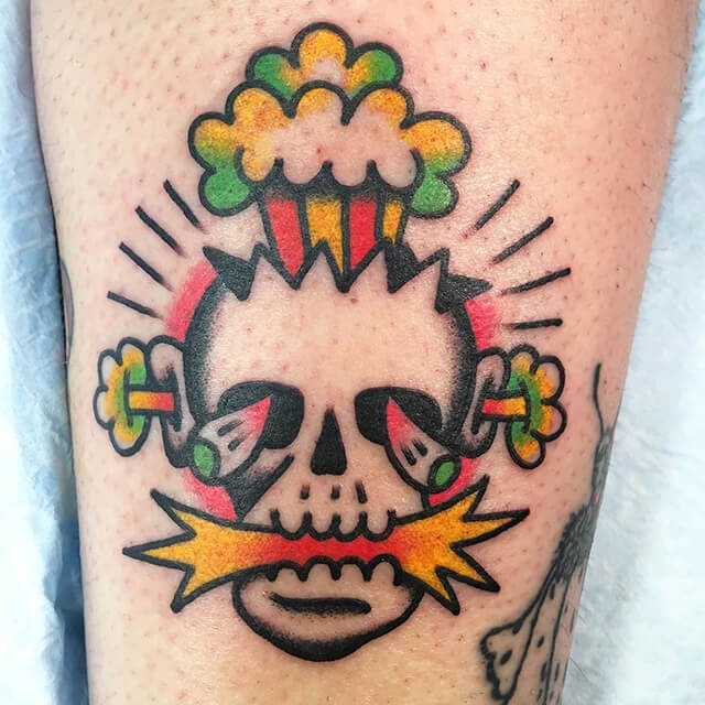 tatouage visage et rose
