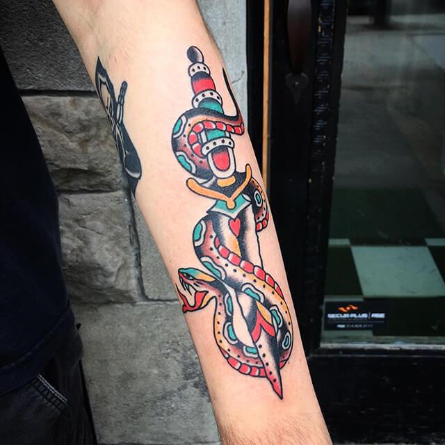 tatoueur Dylan tatouage chat felix
