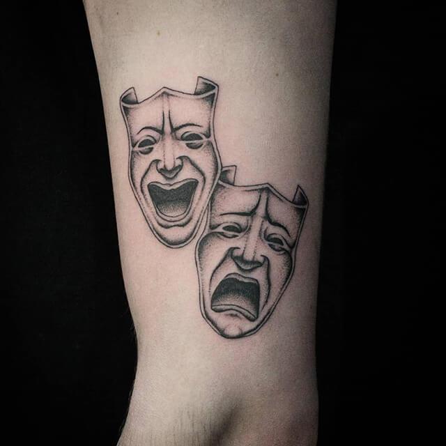 tatouage de menottes